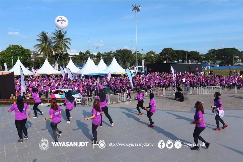 Celebrating 6 Seasons' of Win with J6 Neon Fun Run 2019