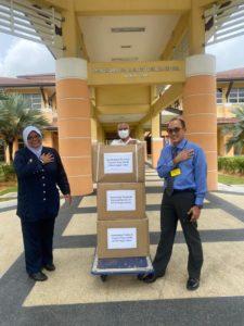 Raja Zarith Sofiah Foundation Aid the Frontliners in Johor
