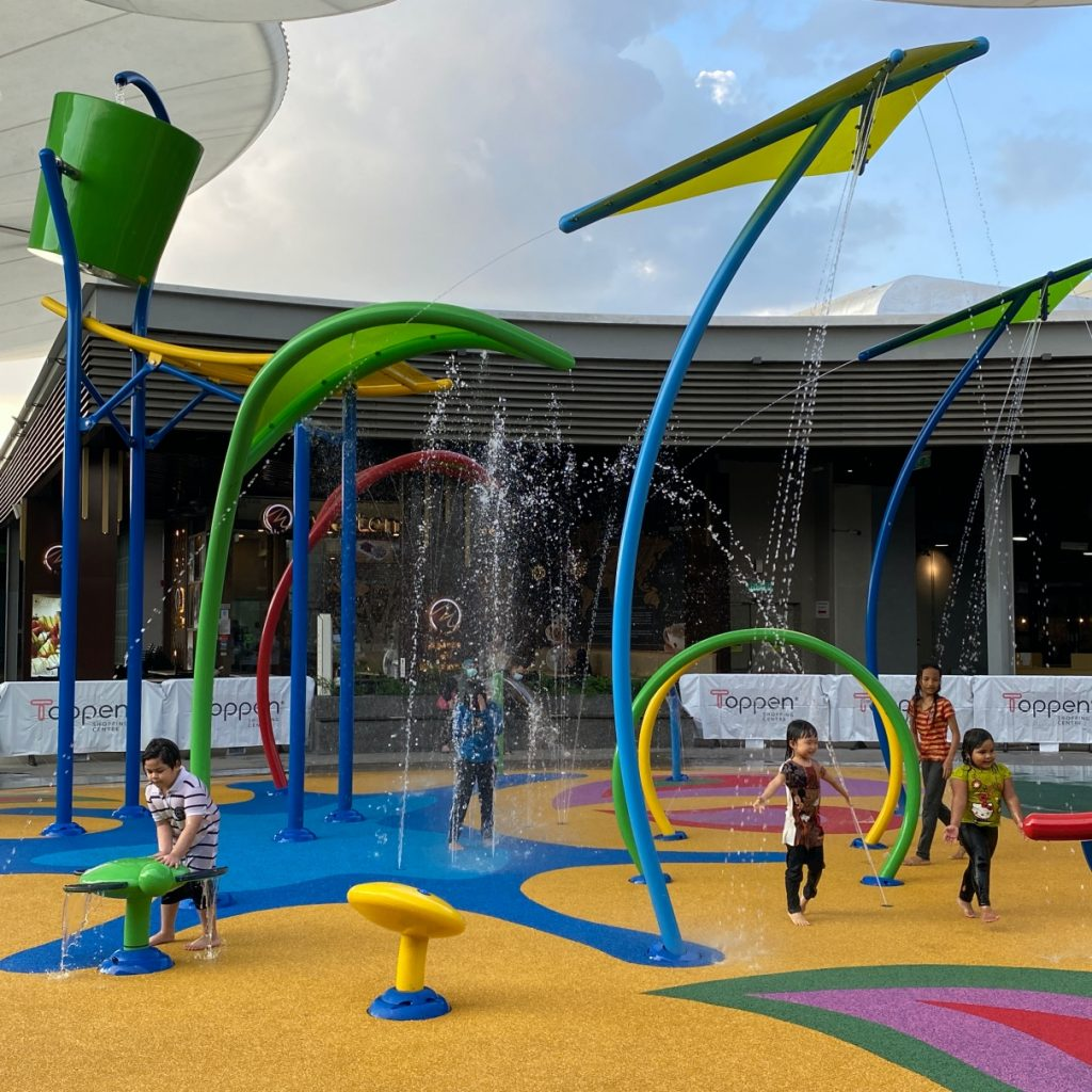 Pedestrian Bridge Plans and New Offerings at Toppen Shopping Centre